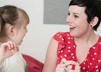 Palestra: Como Estimular o Desenvolvimento  da Comunicação Oral nos filhos do nascimento aos 3 anos